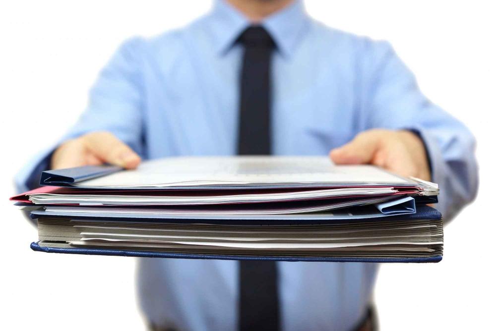 dokumenty, znalec