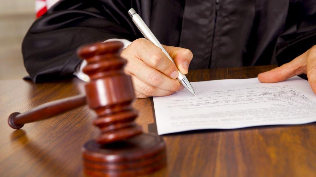 súd, znalec, sudca, znalecký posudok