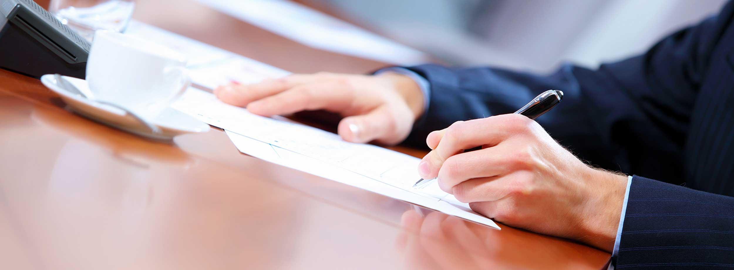 dokument, zmluva, klient, podpis zmluvy